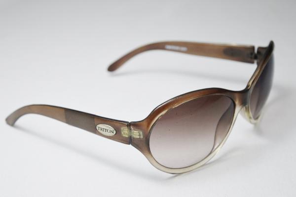 10f8094e3 TRITON - Óculos de sol modelo esporte fino de famosa grife armação degrade  em acetato haste marcada triton-044 EM ÓTIMO ESTADO DE CONSERVAÇÃO