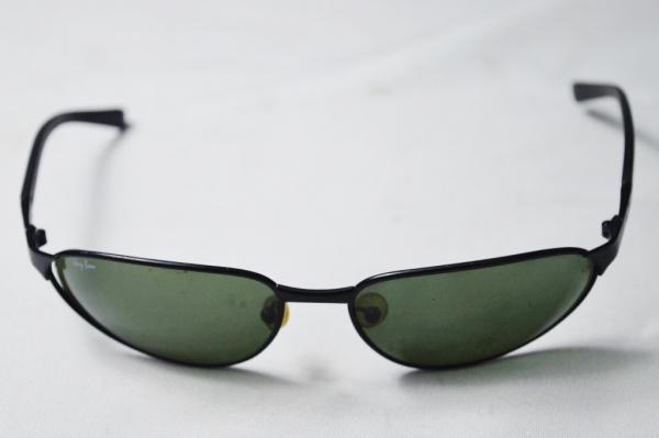 2376c024c RAY BAN - Óculos de sol de famosa grife italiana modelo esporte fino armação  em metal na cor preta modelo esporte fino em otimo estado de conservação.