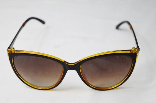 bb01ccc92 B.V.LGARI - Belo óculos de sol modelo esporte fino armação em acetato na cor  .