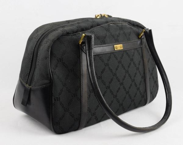 dd52274cb VICTOR HUGO - Bolsa feminina de famosa grife na cor preta. med: 22 cm x 33  cm