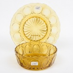 Saladeira c/ presentoir norte americana estilo art deco, em demi cristal âmbar decorado c/ cabochons, diam. 20 e 28cm.
