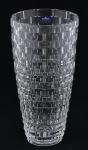 BOHEMIA - Grande vaso tcheco estilo art deco, em grosso cristal ecológico lapidado em alto e baixo relevo c/ retângulos, alt. 30cm.